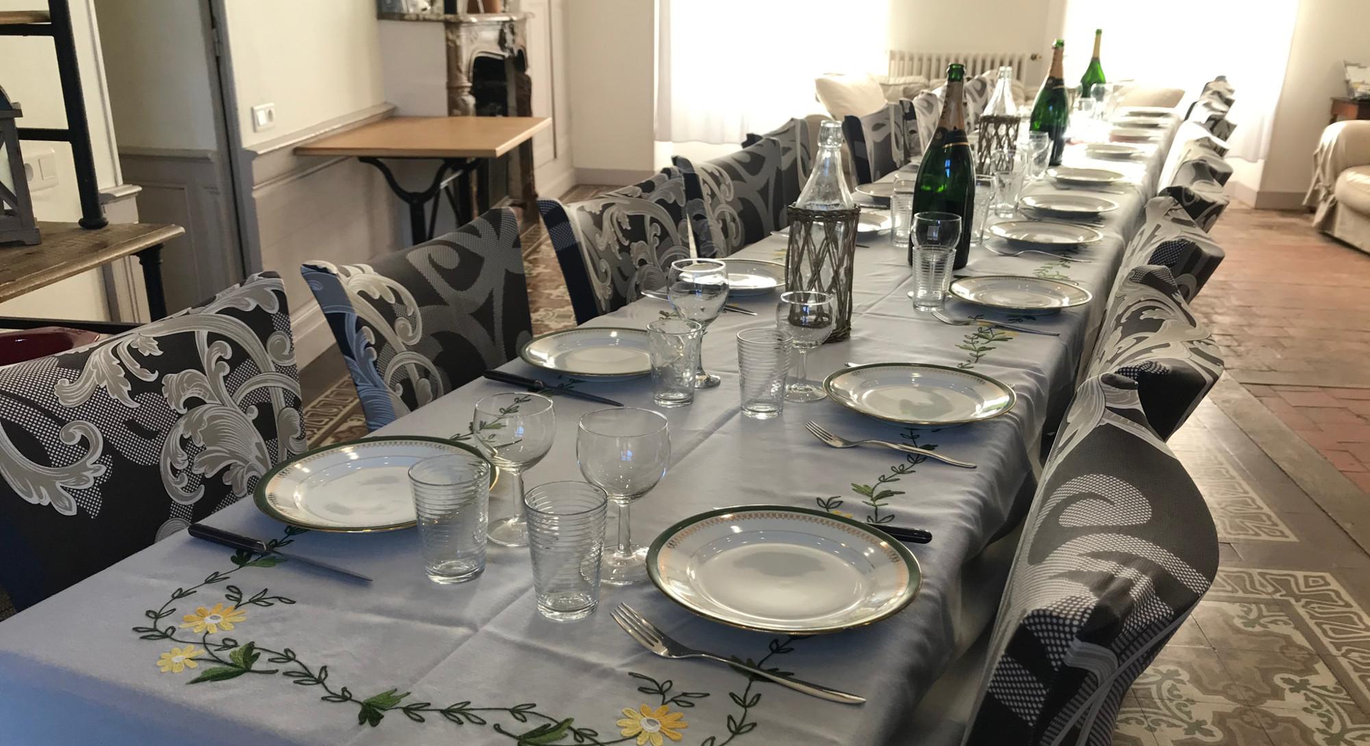table pour repas de famille ou amis